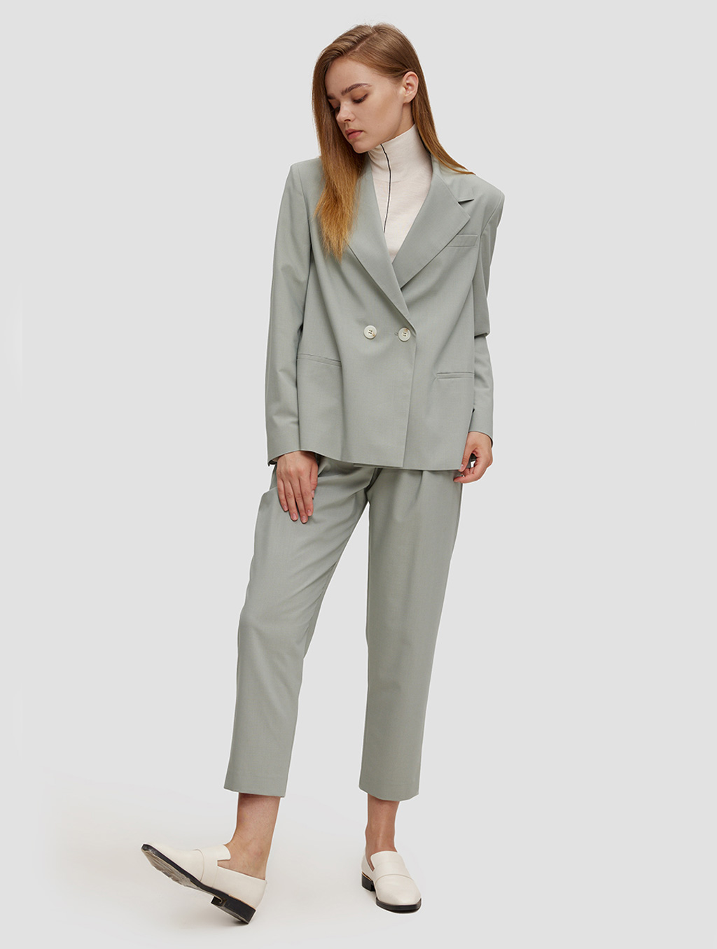 Ankle length Tapered pants- whole body-pale green