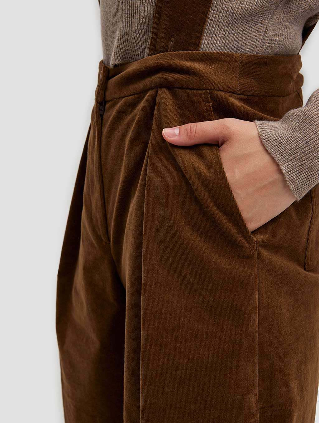 Overall Shorts - detail- brown