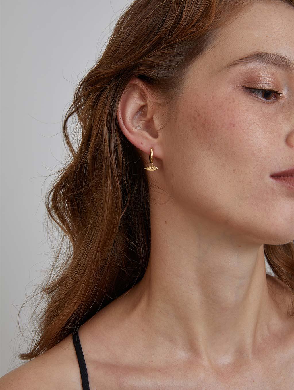 Single Devil's Eye Hoop Earring-model2-gold