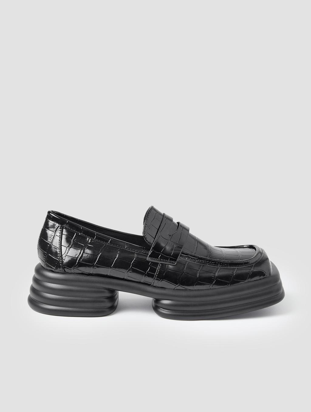 Square Toe Loafers - detail -Crocodile-print Black1